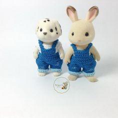 Calico Critters / familles Sylvanian Crochet vêtements / équipement pour papa / maman fait sur commande #1002 & 2004