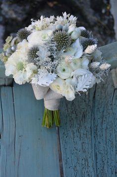 Ramose novia en blanco, grises y azules!