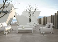 Use sober #floor #tiles with very neutral finishes such as concret and #stone creating environments with pure lines and minimalist #style in your #terrace.