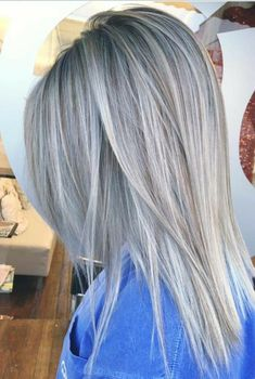 Silver Grey Hair Color Ideas for Straight Hairstyles 2018 Idee per capelli grigi argento per acconciature dritte 2018 Ash Blonde Hair, Ombre Hair, Balayage Hair, Hair Dye, Hair Color And Cut, Cool Hair Color, Hair Colour, Silver Grey Hair, Gray Hair