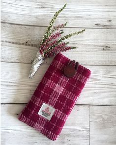 Lovely Harris Tweed phone cover will offer extra protection for your phone Will fit and Iphone6 or smaller. https://www.etsy.com/uk/listing/545019008/bordeaux-rose-white-check-harris-tweed
