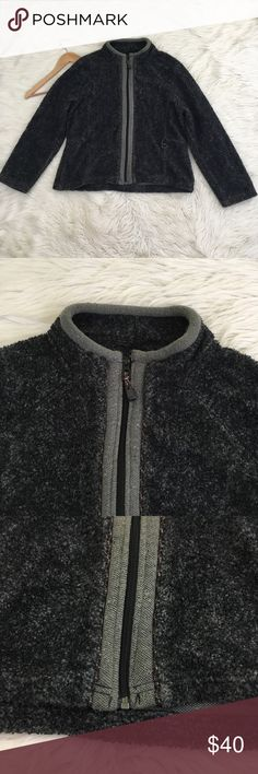 """Woolrich Dark Grey Full Zip Knit Fleece Jacket Woolrich Womens Large Grey Jacket • the fabric is a cross between a knit and fleece • Full Zip • Oynx Heather color • excellent condition no flaws  Length: 23"""" Armpit to armpit: 23""""  NO lowball offers NO modeling NO trades  Come check out the rest of my closet! I have various brands and ALL different sizes ❤️  Tags for discovery: LL beans l.l. Bean Pendleton lands End Patagonia REI The North Face Columbia Coat Jacket winter Woolrich Jackets…"""