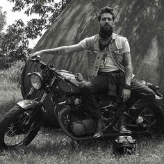 @mee.kay  @mathewguido #beardbad #beard Bike Life, Model Agency, Bearded Men, Biker, Motorcycle, Beards, Instagram Posts, Fictional Characters, Bandana
