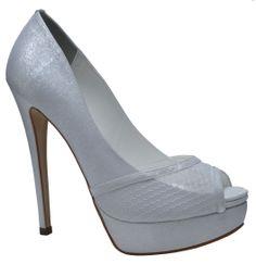 #wedding #weddingshoes #bride www.divalesi.com.br