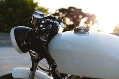 The Iceberg - Civil Custom Honda CB750 ~ Return of the Cafe Racers