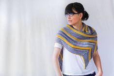 Ravelry: Atiru Shawl pattern by Francoise Danoy Knitting Yarn, Hand Knitting, Gray Streaks, Handmade Tags, Garter Stitch, Knitting Patterns Free, Knitwear, Needlework, Shawls