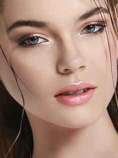 make up: Silvia Sadecka  (www.silviasadecka.com) photo: Alessio Migliardi  (www.alessiomigliardi.com)