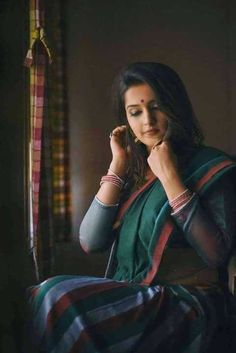 Beautiful and hot indian women in saree. Beautiful Girl Indian, Beautiful Girl Image, Most Beautiful Indian Actress, Beautiful Saree, Indian Photoshoot, Saree Photoshoot, Indian Photography, Girl Photography Poses, Female Photography