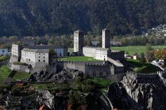 The old Swiss canton of Ticino was protected by three castles, one of which is this glorious Montebello fortress. You can enjoy some wonderful panoramic views of the Bellinzona hills as you stroll along the beautifully maintained paths. The castle itself was built during the 14th century, before being expanded in the 15th and renovated in the 20th.