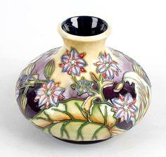 A Moorcroft pottery vase : Lot 77