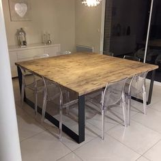 Tables industrielles - L or du Temps mobilier industriel Industrial Table, Industrial Furniture, Kitchen Furniture, Grande Table A Manger, Diy Wood Countertops, Palette Table, Old Wood Table, Diy Wood Shelves, Square Tables