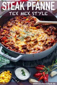 Tex Mex Steak Pfanne mit Gemüse - emmikochteinfach Steak pan with vegetables in TexMex style Pizza Recipes, Grilling Recipes, Vegetarian Recipes, Tex Mex, Sin Gluten, Tofu, Bulgur Salad, Beef Salad, Chicken Bites