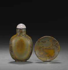 A 'puddingstone' snuff bottle and snuff dish 1780-1860