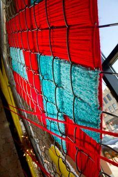 behind the yarnbomb …