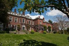 he century town house and gardens have been beautifully restored to create a stylish, award winning 4 star hotel with a charm all of its own. English Manor Houses, Town House, Beautiful Hotels, East Sussex, England Uk, 16th Century, 4 Star Hotels, Garden Inspiration, Brighton
