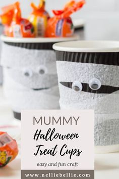 An easy and fun craft that even the kids can do! Great Halloween craft for parties and handing out treats!  #Halloween #Treat #Craft Trunk Or Treat, Halloween Treats, Fun Crafts, Party, Fun Diy Crafts, Fun Activities, Parties