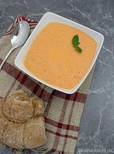 Tomaten Ricotta Suppe mit etwas Minze - Katha-kocht!