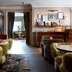 Boutique Hotels London, Night Bar, Georgian Townhouse, Champagne Bar, Soho House, Bar Areas, Art Deco Design, Restaurant Design, Entryway Tables