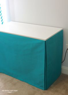 Tailored Table Skirt (the easy way!) Diy Craft Table diy table skirt fot a craft room Craft Table Ikea, Craft Fair Table, Craft Tables With Storage, Craft Room Desk, Craft Room Tables, Diy Table, Desk Skirt, Diy Crafts Desk, Diy Cabinets