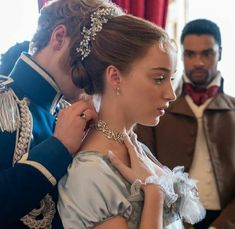 Series Movies, Movies And Tv Shows, Tv Series, Veronica, Phoebe Dynevor, Princess Aesthetic, Romance, Shows On Netflix, Pride And Prejudice