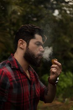 Jon Snow, Pipe Smoking, Smokers, Men, Fictional Characters, Writing, Smoking Pipes, Woodland Forest, Pipes