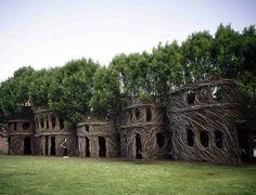 Деревянные дома от Патрика Догерти. Источник фото: treehouseblog.com