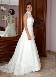Margherita in her beautiful #weddingdress #abitodasposa