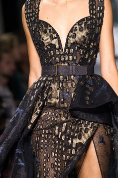 Elie Saab at Couture Fall 2016 - Details Runway Photos Elie Saab Couture, Haute Couture Style, Beautiful Gowns, Beautiful Outfits, Elegant Dresses, Pretty Dresses, Runway Fashion, High Fashion, Net Fashion