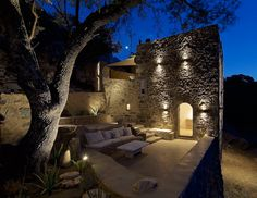 Built around 1850, this residence in Nisyros was completely restored and turned into a villa of two independent luxury apartments by ADarchitects, with respect to the local architectural tradition…