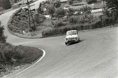 Fiat 600 around the curve