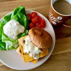 Delicious  #spanish #pork #burger  washed down with #coffee  milk  Perfect for #fat #glycogen and #protein loading.    #geek #nerd #cook #cooking #menscooking #maninthekitchen #havingfuninthekitchen #whatscooking #delicious #food #instafood #lifestyle #healthy #health #life #hustle #hustler #bodybuilding #runner #run #running #runningman #一個男人的浪漫