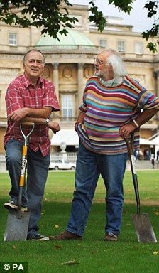 Tony Robinson and Mick Aston (Time Team: TV archaeology)