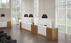 Colección Z2 de mostradores para recepción que combinan diferentes colores, formas y materiales.