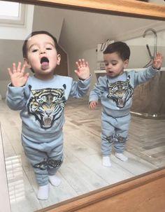 Cute Baby Boy, Twin Baby Boys, Cute Twins, Cute Little Baby, Little Babies, Baby Love, Cute Babies, Baby Kids, Baby Boy Photos