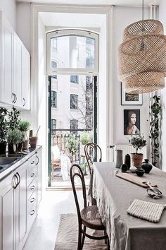 The 29 Most Beautiful Rooms On Instagram #refinery29  http://www.refinery29.com/beautiful-instagram-rooms#slide-24  Never underestimate the power of a few potted plants. ...
