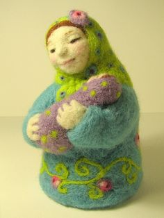 Virgen con niño, estilo matrioska