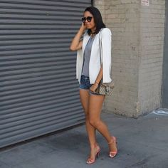 BCBGMaxazria, White Blazer , Shorts , Heels   vianceyperaza.com New York Street Style, Urban Street Style, Street Style Summer, Autumn Street Style, Bcbgmaxazria Fashion, Style Fashion, Autumn Fashion, Blazer, Shorts
