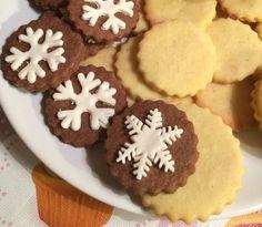 A kedvenc karácsonyi nagyon vaníliás kekszem, könnyű vele dolgozni, a gyerekek pedig imádják díszíteni. Yule, Biscuits, Muffin, Food Porn, Food And Drink, Xmas, Cookies, Baking, Drinks