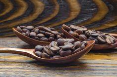 Pienso que si hubiera sido mujer, usaría café como perfume.  John Van Druten  #Cafesanserapio