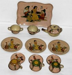 "DISNEY1930's""SNOW WHITE&THE 7 DWARFS LITHOGRAPHED TIN TEA SET BY OHIO ART-14 PCS"