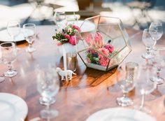 Flowers, Rebelle Fleurs Event Design; Planner, Lavender Grey Events; Photo: Chloe Moore Photography - California Wedding http://caratsandcake.com/CallieandAndrew