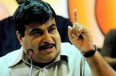 Supporters pitch for Gadkari as CM Read: http://gismaark.com/NewsExpressViews.aspx?NEID=276 #GISMaark #MaharashtraElections #bjp4maha