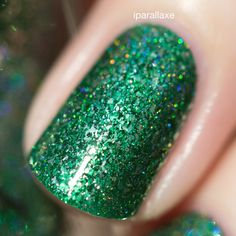 Lucky One is a vividly fun pine green Precious Metals nail polish with a glorious holographic sparkle. The perfect Christmas green for those festive manicures!  Lucky One is part of a set of 6 new holiday themed Precious Metals polishes that take advantage of our Precious Metals formula for an incredibly ornamental-like finish!  Lucky One is part of ILNP's Precious Metals class of incredibly vivid metallic finish nail polishes; specifically formulated with various ultra-thin metallic flakes…