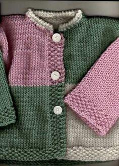 Layette Ensemble Rose Et Gris 3 Mois Bra - Diy Crafts Baby Cardigan Knitting Pattern Free, Kids Knitting Patterns, Baby Sweater Patterns, Baby Boy Knitting, Crochet Baby Cardigan, Knitting For Kids, Baby Patterns, Booties Crochet, Crochet Hats