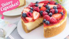 NEW YORK CHEESECAKE + TRUCOS PARA EVITAR GRIETAS | Quiero Cupcakes! Cookie Desserts, Easy Desserts, Delicious Desserts, Dessert Recipes, Cheesecake Cupcakes, Strawberry Cheesecake, Sweet Factory, Cake Videos, Cake Batter