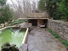 *FALLINGWATER HOUSE. de Frank Lloyd Wright