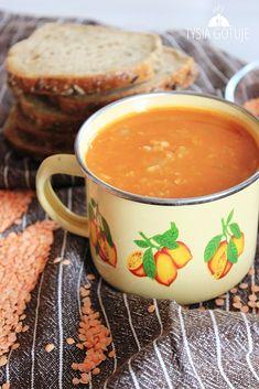 Rozgrzewająca zupa z czerwonej soczewicy i ziemniaków idealnie sprawdzi się w chłodne dni. Jest bardzo szybka w przygotowaniu i dość syta d...