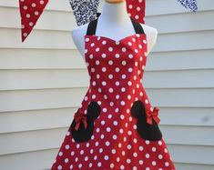 Minnie Mouse Apron, Womens Full Cooking Apron, Reversible Apron, Inspired Minnie with Mickey Head Pockets Disfraz Minnie Mouse, Minnie Mouse Costume, Princess Aprons, Custom Aprons, Sewing Aprons, Mickey Head, Kids Apron, Aprons Vintage, Red Gingham