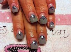 Grey gel nails