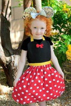 Red dot MINNIE MOUSE costume APRON. Disney inspired Dress up Fits sizes 12 months - Girls 12. Toddler Baby Girl. Birthday Party photo prop